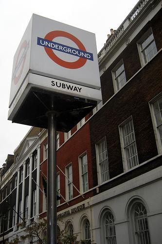 UK – London: Underground sign